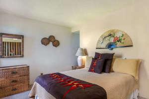 3700 Kamehameha Rd Sealodge B6-small-010-17-Bedroom-666x444-72dpi