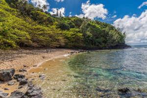 3700 Kamehameha Rd Sealodge B6-small-020-20-Beach-666x444-72dpi